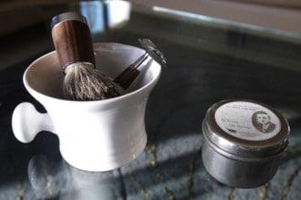 comment-se-raser-presentation-savon-blaireau-rasoir