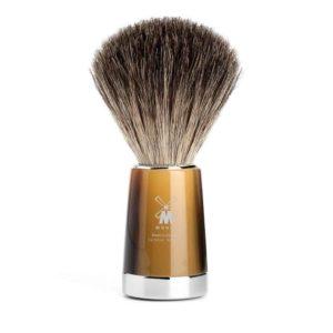 Un choix de blaireau de rasage classique judicieux pour les amateurs de poils naturelsà la recherche d'un effet massage accentué.