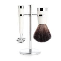 Faites (vous) plaisir avec ce set rasoir de sécurité classique en résine blanche haut de gamme et entrez dans l'univers du rasage traditionnel!